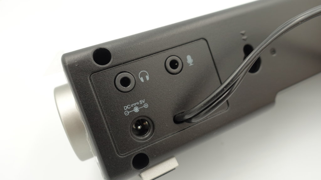 TaoTronics USBサウンドバー TT-SK018 端子周り