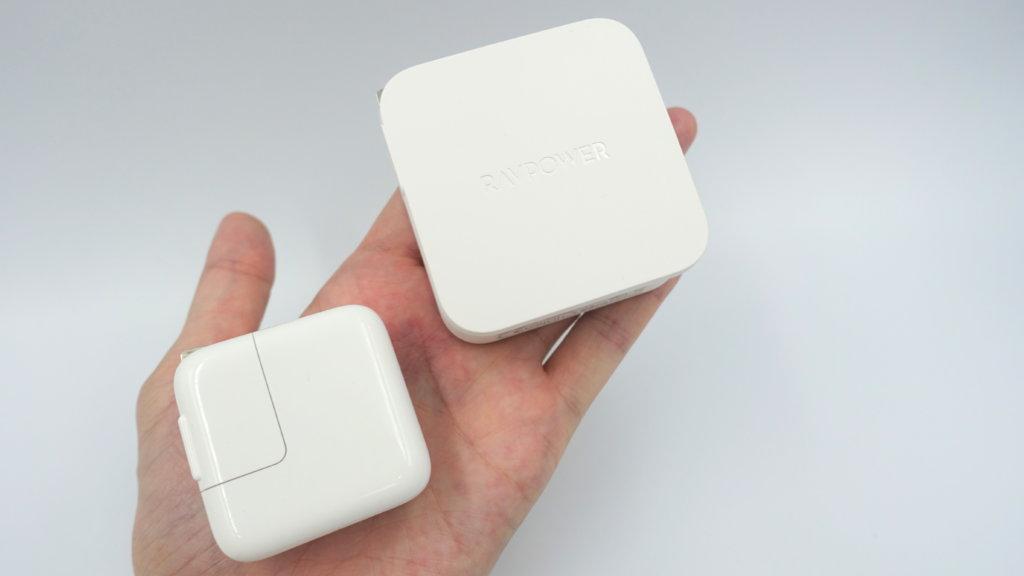 RAVPower USB-C急速充電器 サイズ比較